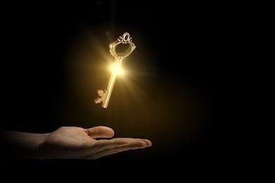 माणुस Keyच्या जादूचे प्रयोग –